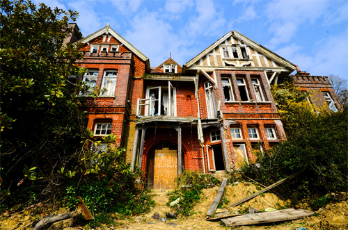 Potters Manor - extreme decay!