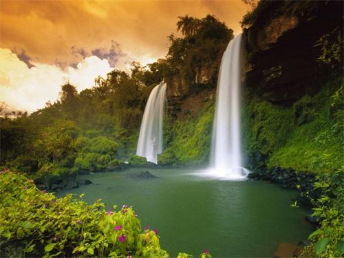 Two-Sisters-Waterfalls